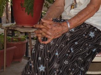 Dona nohemi manos 2